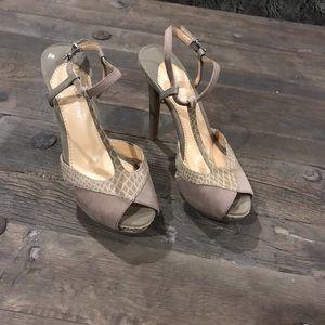 Gianni Bini stilettos never worn !